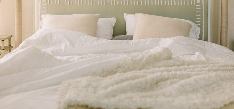 Budżetowe zmiany w sypialni – sprawdź te triki
