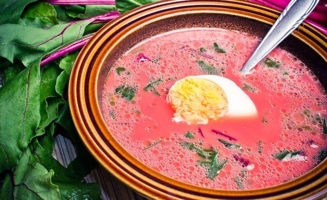 Zupa z botwinki – wiosenny przepis